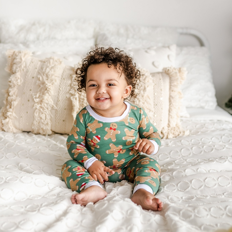 Bamboo Two-Piece Pajama Set | Green Gingerbread